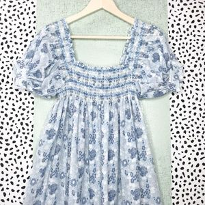 Dresses & Skirts - Vintage Blue Floral Balloon Sleeve Midi Dress